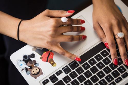 7 maneras de hacer su mejor trabajo de forma virtual y fomentar el compañerismo digital